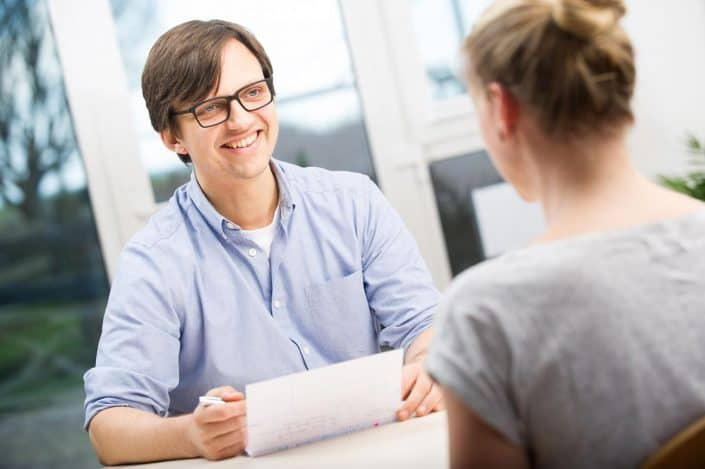 Dr. Teichgräber - Osteopathie Kosten - Umfangreiche Aufklärung im Patientengespräch