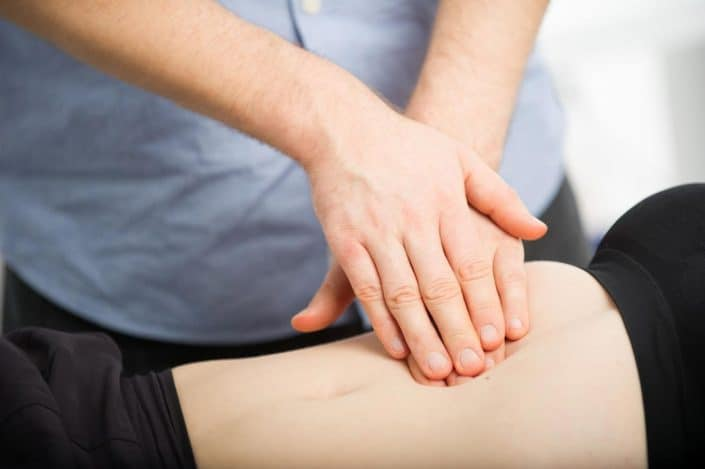 Sanfte Bewegungen am Bewegungsapparat unterstützt die Heilung und hilft bei Schmerzen und Verspannungen